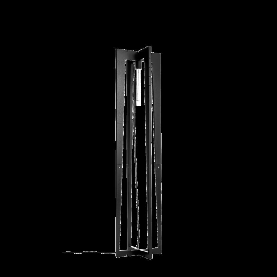 מנורה עומדת שחורה ארבעה עמודים