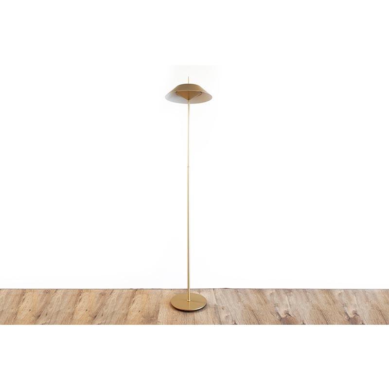 מנורת עומדת דגם 2015