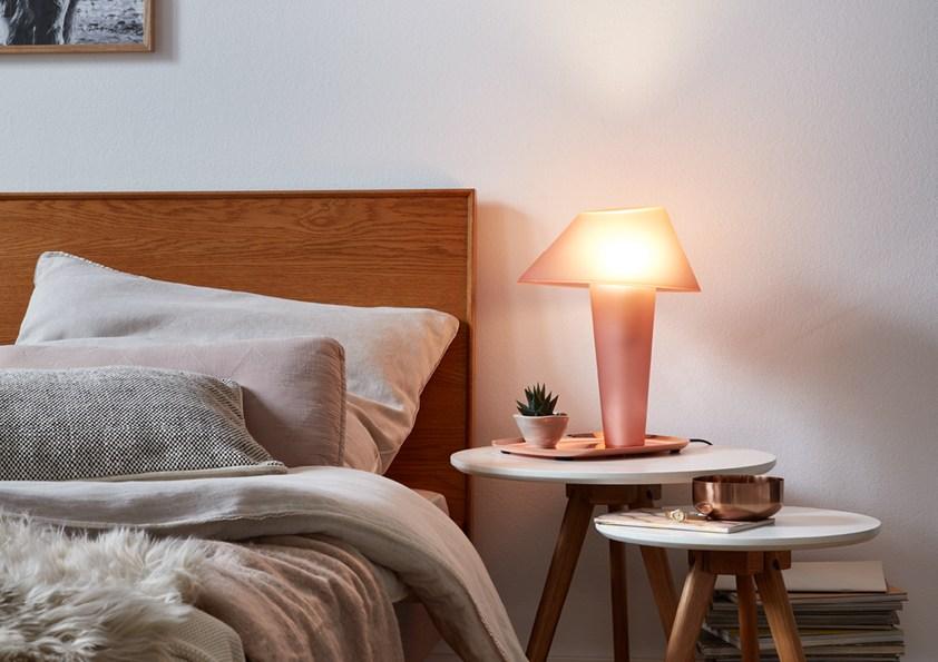 34001מנורת שולחן
