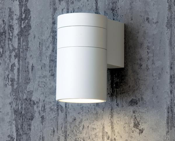 תאורת חוץ צמוד קיר מוגנת מים צילינדר לבן