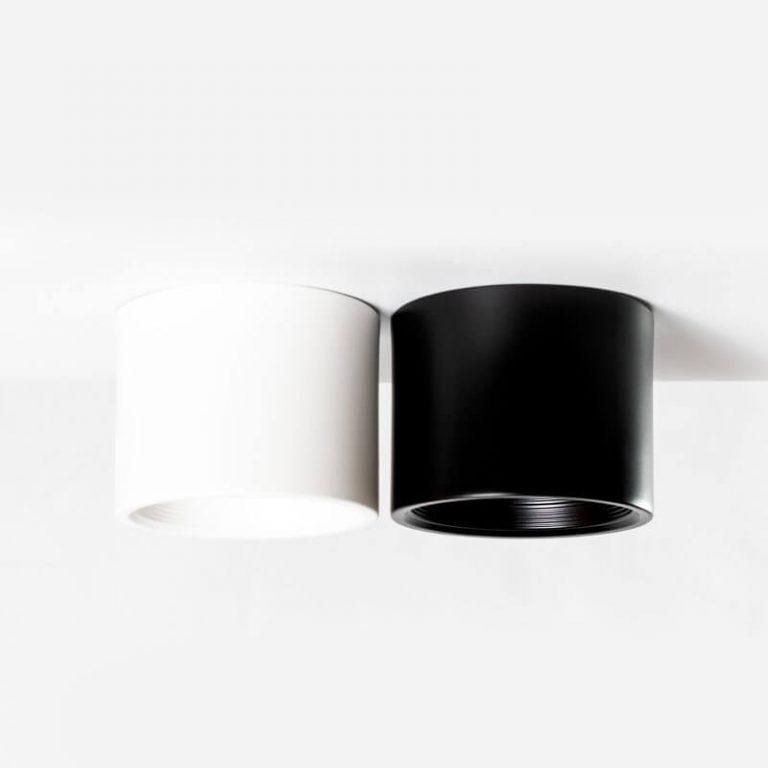 גוף תאורה חיצוני צמוד תקרה מוגן מים צילינדר נמוך שחור ולבן מתאים לתאורת חוץ