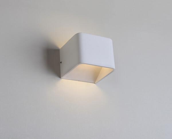 גופי תאורה צמודי קיר אפ דאון ריבוע לבן