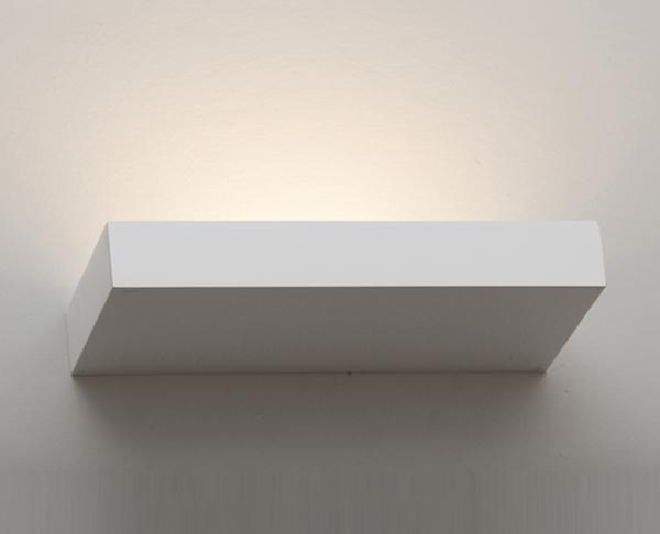 מנורות קיר לסלון מלבן לבן הארה כלפי מעלה