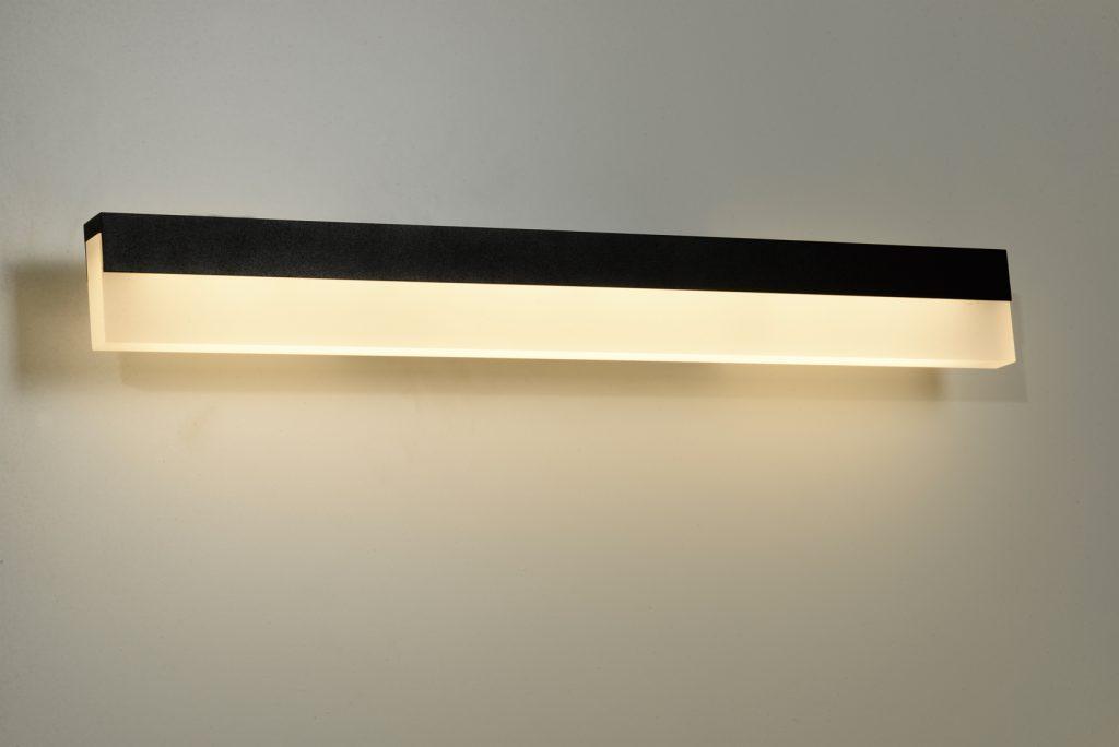מנורות קיר מעוצבות במראה מינימאליסטי -פס מלבני שחור ולבן