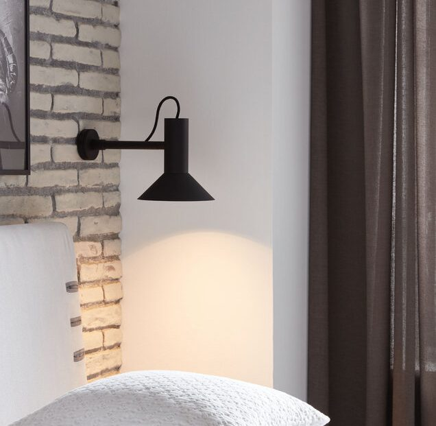 מנורת קיר 3
